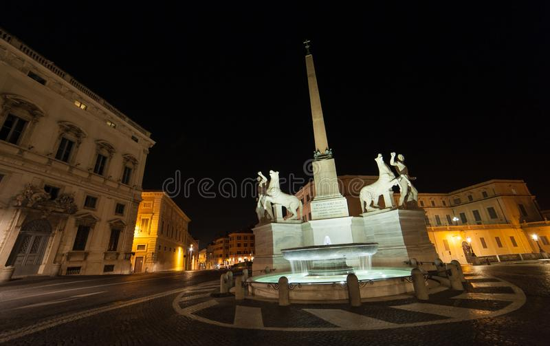 Roma di notte, un punto di vista differente fotografia stock