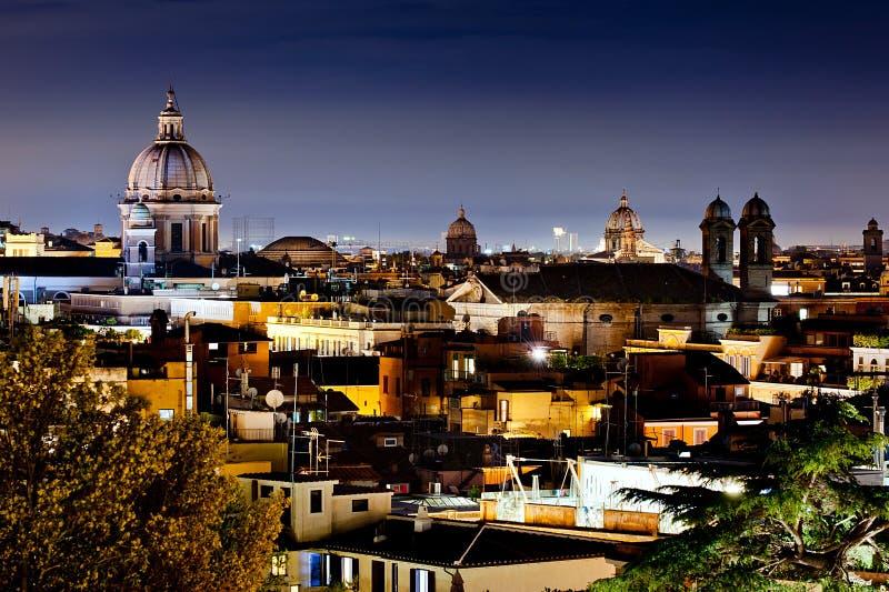 Roma en la noche imágenes de archivo libres de regalías