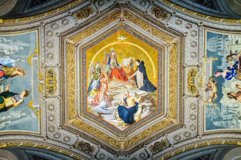 Roma, ITÁLIA - 1º de junho: O museu do Vaticano em Roma, Itália o 1º de junho de 2016 fotografia de stock