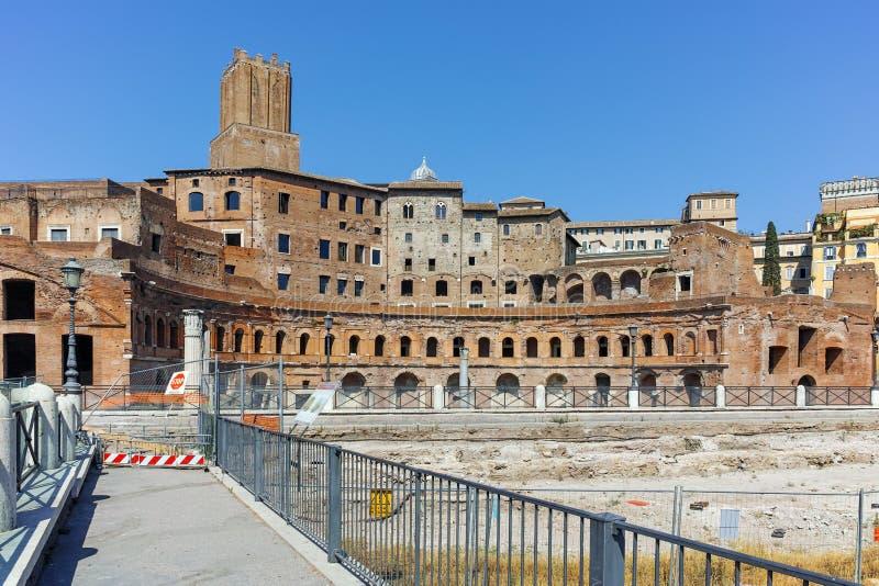 ROMA, ITÁLIA - 23 DE JUNHO DE 2017: Opinião surpreendente Augustus Forum na cidade de Roma imagem de stock royalty free