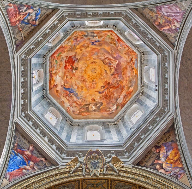 ROMA, ITÁLIA - 9 DE MARÇO DE 2016: Fresco nossa senhora na glória e quatro mulheres do antigo testamento Ruth, Judith, Esther e D imagens de stock