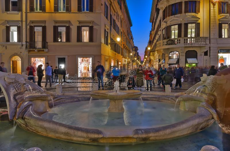 Roma, Itália - 22 de março de 2019: Etapas espanholas, noite em Roma, Itália imagens de stock royalty free