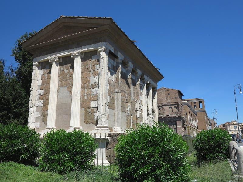 19 06 2017, Roma, Itália: Templo da fortuna viril fotografia de stock royalty free