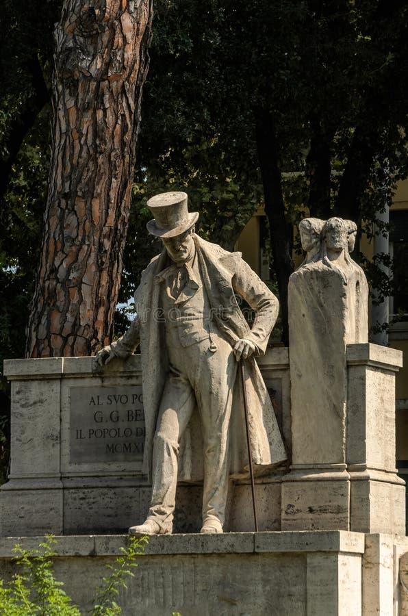 ROMA, ITALIA - AGOSTO DE 2018: Monumento Giuseppe Gioachino Belli imagenes de archivo