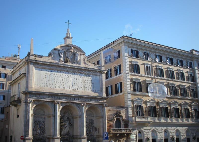 Roma, Italia 28 de diciembre de 2018: Vista de la fuente de Moses Fountain Acqua Felice en la ciudad de Roma, Italia fotografía de archivo libre de regalías