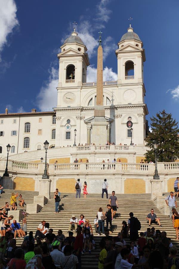Roma, Italia - 1 de septiembre de 2017: Los pasos españoles hermosos ajustan en un día de verano fotografía de archivo libre de regalías