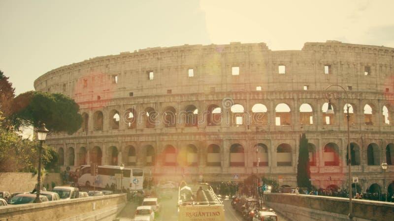 Roma, Italia - 31 dicembre 2018 Anfiteatro famoso del Colosseo o di Colosseum un giorno soleggiato immagini stock