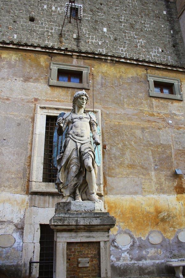 Roma, Italia - 30 dicembre 2018: Statua di angelo dentro del san Angelo del castello a Roma immagine stock