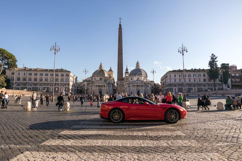 11/09/2018 - Roma, Italia: El domingo por la tarde PA del coche de deportes de Ferrari fotos de archivo