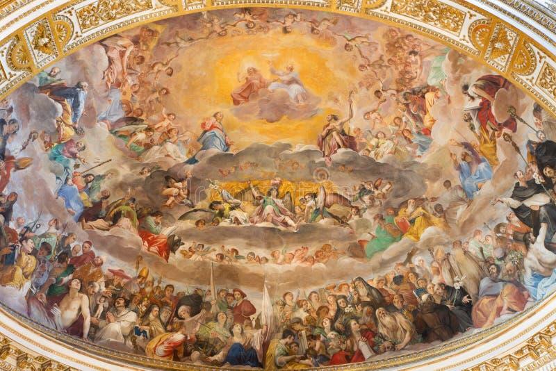 ROMA, ITALIA, 2016: L'affresco della gloria di cielo & di x28; 1630& x29; in abside principale dei Di Santi Quattro Coronati dell immagini stock libere da diritti