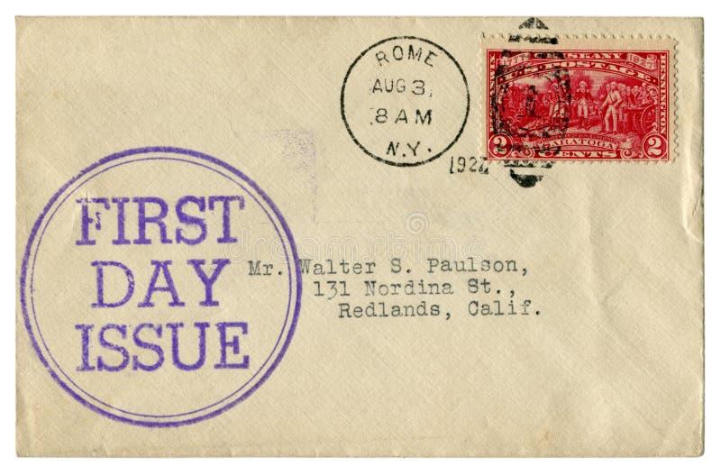 Roma, New York, Os EUA - 3 de agosto de 1927: Envelope histórico dos E.U.: tampa com edição do dia do prestígio redondo da tinta  fotos de stock royalty free