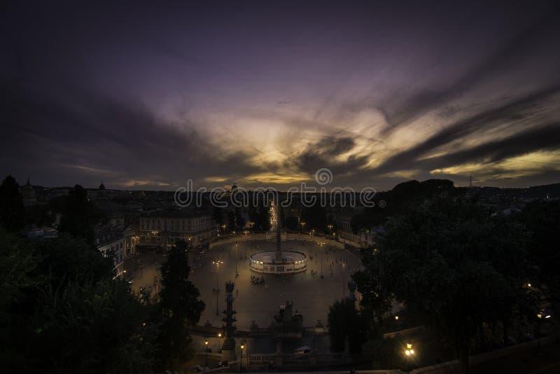 Roma piazza Del Popolo przy pięknym zmierzchem fotografia royalty free