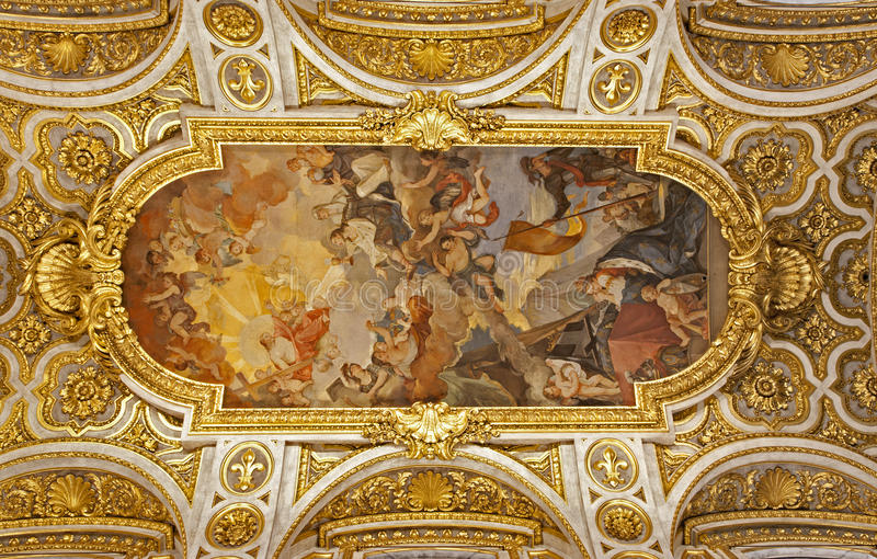 Roma - telhado da igreja de San Luigi fotografia de stock