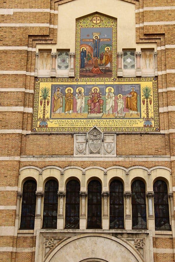 Roma Testaccio, fachada de la iglesia de Santa Maria Liberatrice imagen de archivo