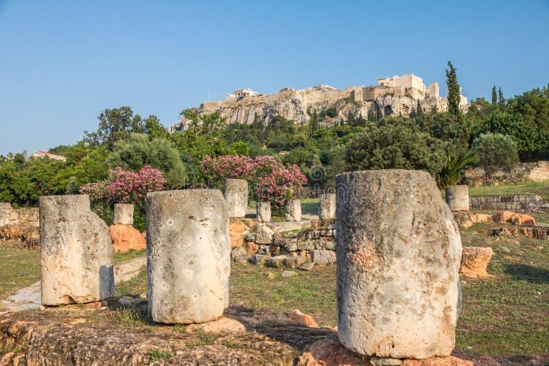 Roman Agora antico di Atene, guardante verso l'acropoli fotografia stock libera da diritti