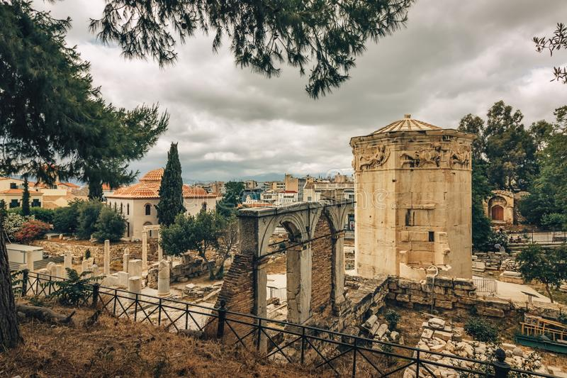 Roman Agora e a torre dos ventos o Horologion de Andronikos Kyrrhestes - Atenas - Grécia foto de stock