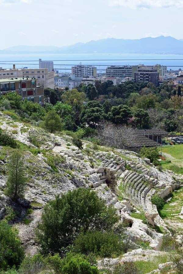 Roman Ampitheatre, Cagliari, Cerdeña, Italia imagenes de archivo