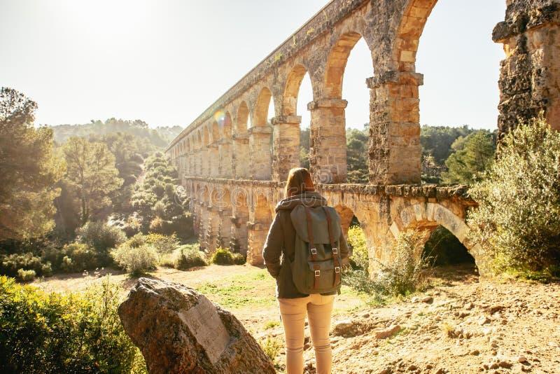 Roman Aqueduct Pont del Diable à Tarragone, Espagne image libre de droits