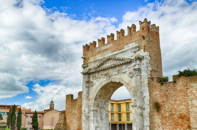 Roman Arch de Augustus imagens de stock