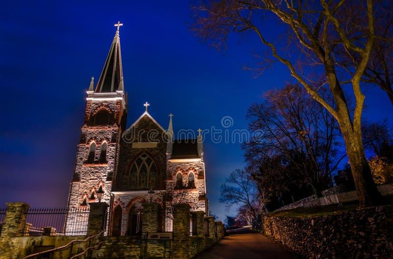 Roman Catholic Church alla notte, il traghetto di Harper, WV di St Peter immagini stock