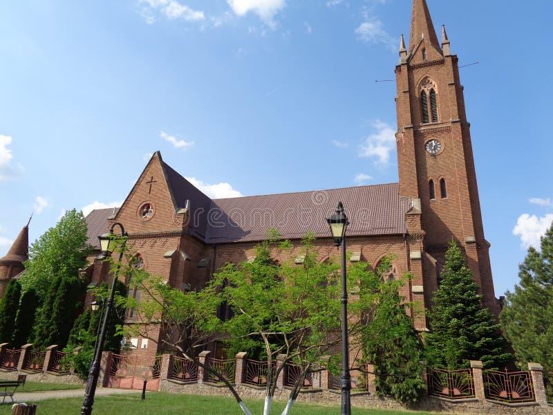Roman Catholic Church i Pecica - Rumänien arkivbilder