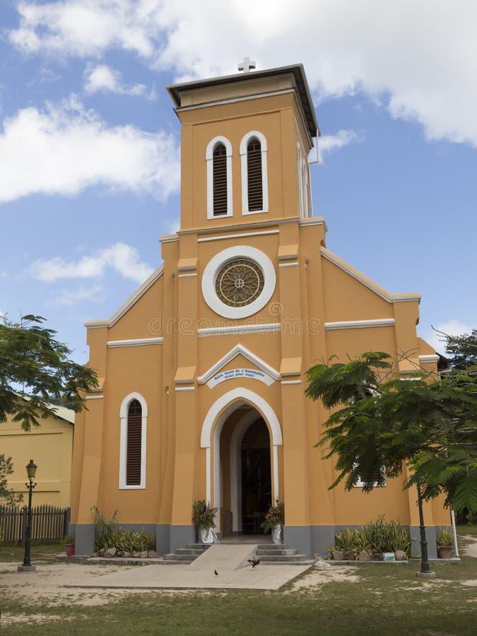 Roman Catholic Church på ön av La Digue arkivbilder