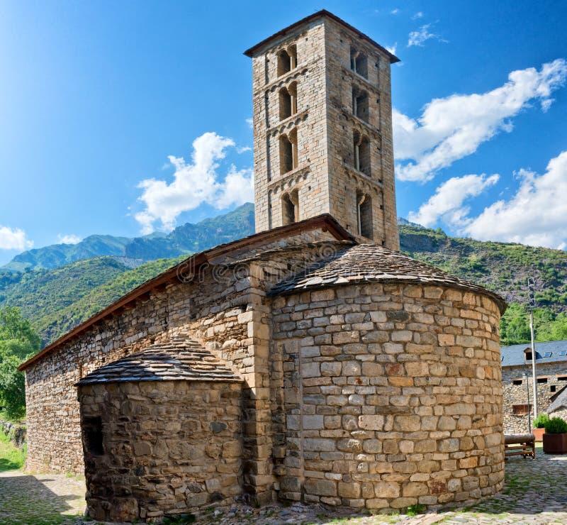 Roman Church de Santa Eulalia en Erill-la-Vall en Cataluña, España imágenes de archivo libres de regalías