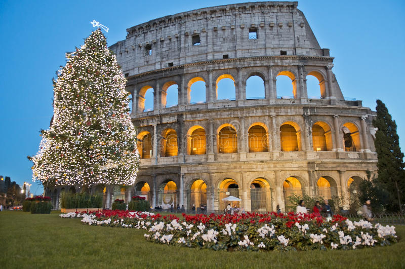 Roman Coliseum viert Kerstmis royalty-vrije stock afbeeldingen