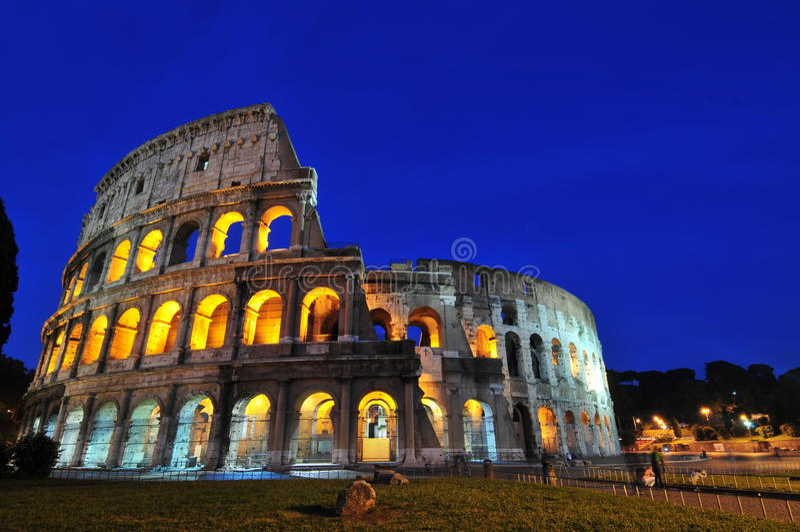 roman coliseumnätter arkivbild