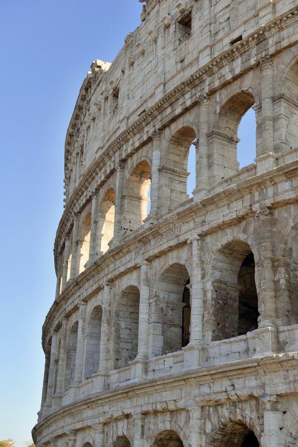 Roman Colosseum, ein Platz wo Gladiatoren gekämpft sowie seiend ein Ort für allgemeine Unterhaltung, Rom lizenzfreie stockfotos