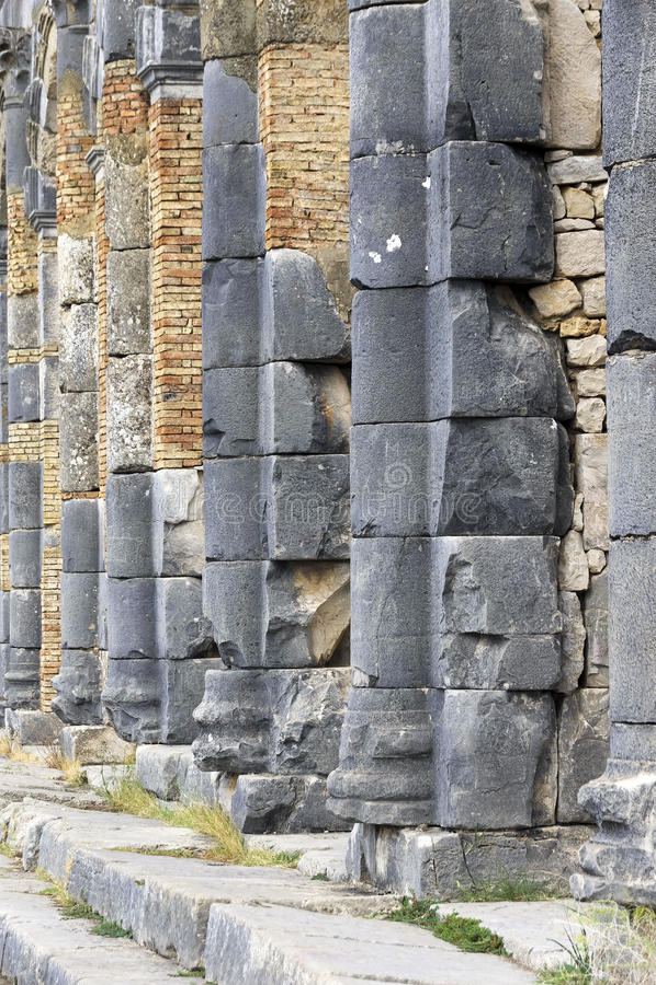 Roman Empire-ruïnes van Volubilis stock afbeelding