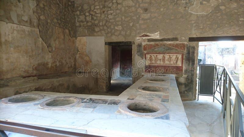Roman Fastfood Restaurant Pompeii foto de archivo