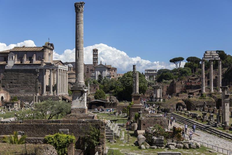 Roman Forum dans la ville de Rome - l'Italie photos stock