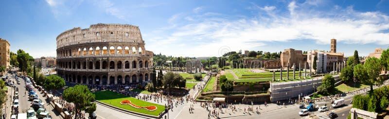 Roman Forum en Colosseum royalty-vrije stock afbeeldingen