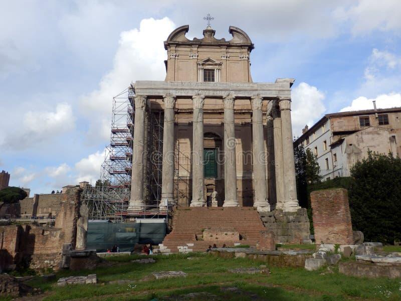 Roman Forum i staden av Rome i Italia arkivbild