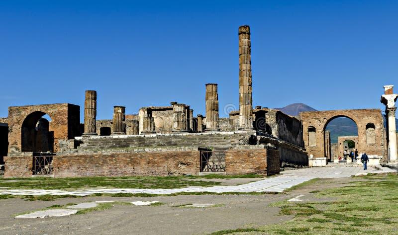 Roman Forum in Pompeji lizenzfreie stockfotos