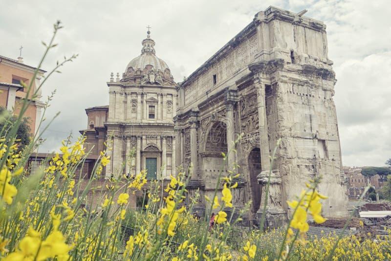 Roman Forums, Roma, Italia un giorno nuvoloso immagini stock libere da diritti