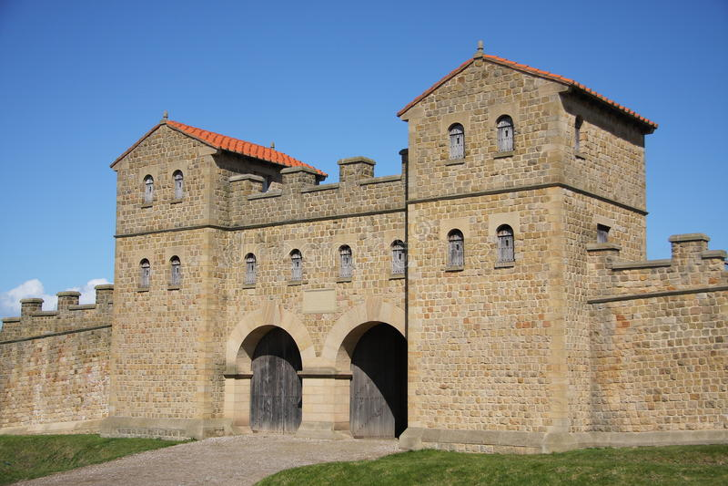 Roman Gateway på det Arbeia museet arkivfoto
