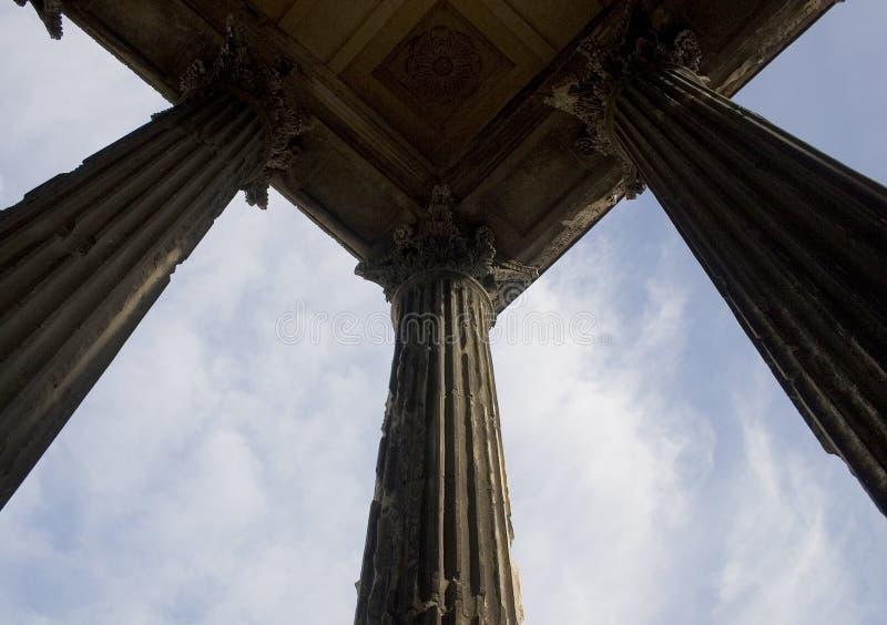 Roman kolommen, het Vierkante Huis, Nîmes, Frankrijk, Europa stock foto's