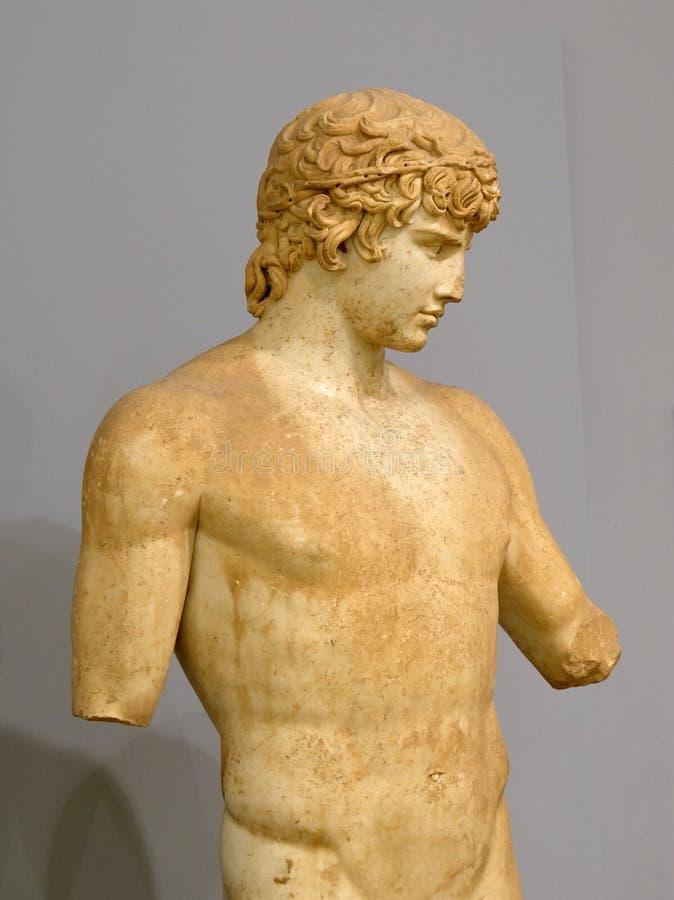 Roman Marble Statue antigo, Delphi Archeological Museum, Grécia foto de stock royalty free