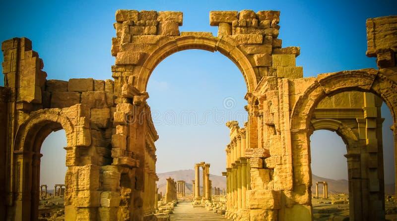 Roman Palmyra båge som förstörs nu arkivbild