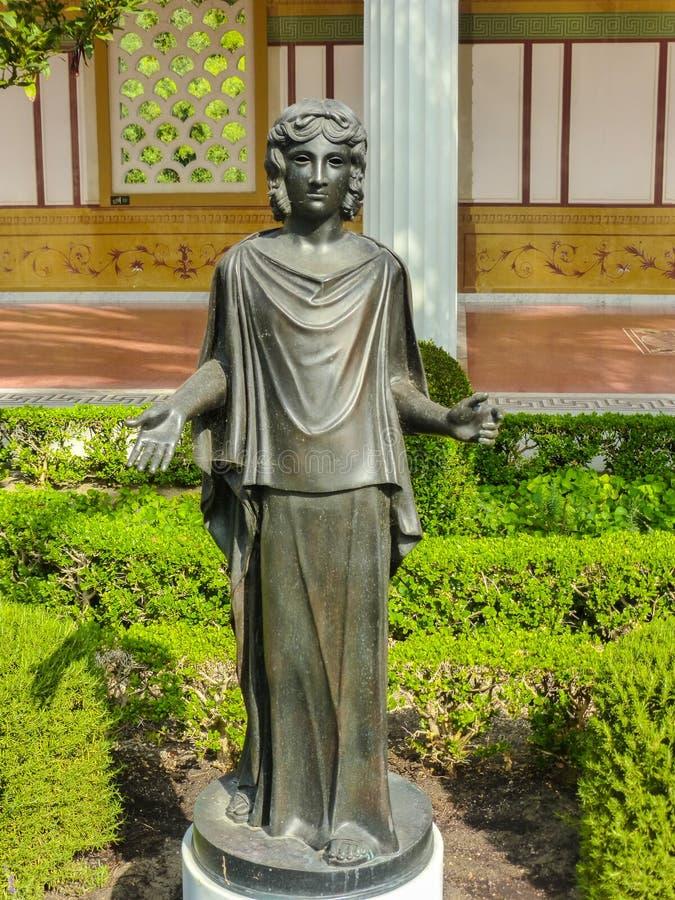 Roman Priestess royaltyfri bild
