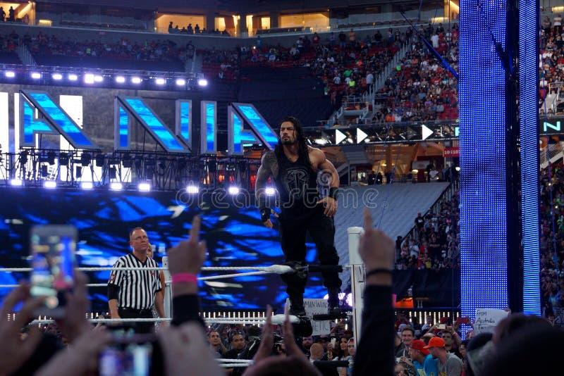 Roman Reigns-worstelaarstribunes op hoogste spanschroef vóór begin van c stock foto