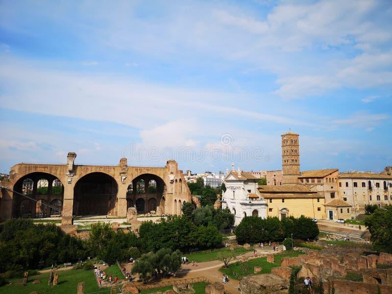 Roman ruïnes Volledige mening van Mont Palatino, ruïnes van Roman Forum royalty-vrije stock afbeeldingen