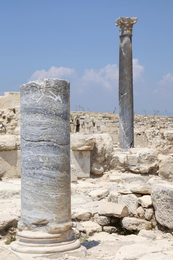Roman Ruins bei Kourion, Zypern, vertikales Bild lizenzfreies stockfoto