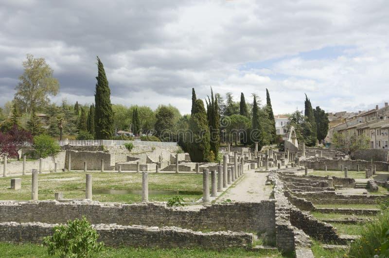 Roman Ruins nella lattuga romana della La di Vaison fotografie stock libere da diritti