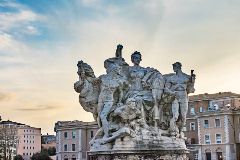 Roman Statue Ponte Bridge Vittorio complicato Emanuele II Roma Italia fotografia stock libera da diritti