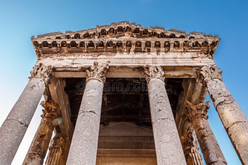 Roman Temple antique d'Augustus dans le Pula, Istria photographie stock libre de droits