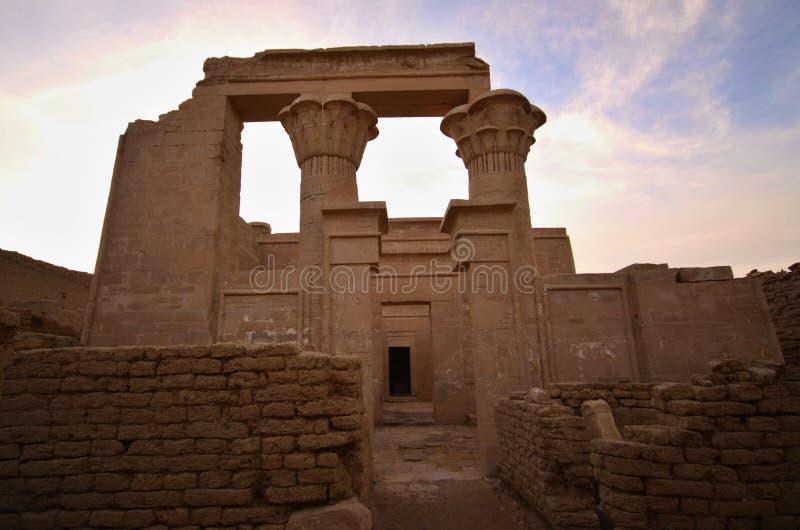 Roman Temple i Deir El-hagar royaltyfri bild