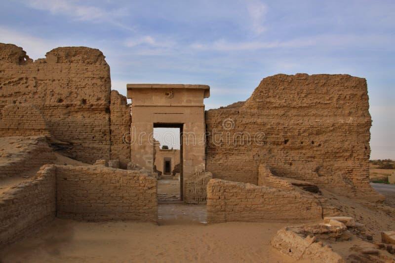 Roman Temple i Deir El-hagar royaltyfria foton